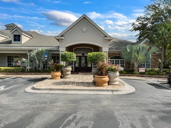 3701 Grandewood Blvd 1-3 Beds Apartment for Rent Photo Gallery 1